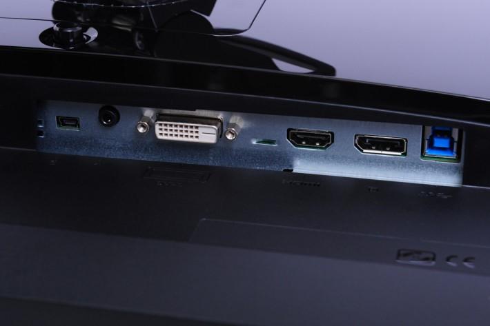 有齊 DVI、HDMI 及 Display Port 影像輸入介面。