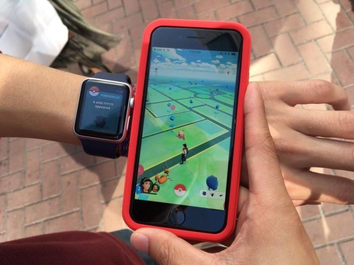 在手機及Apple Watch也同時會出現同一隻小精靈