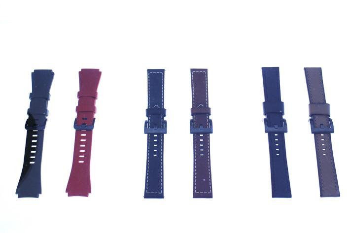 推出時已備有原裝或瑞士 Braloba 出品(中及右)的錶帶可供選購。