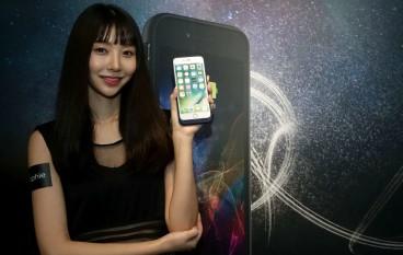 mophie 充電殼 賜 iPhone 無線充電能力