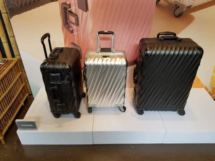 Tumi 旗下的行李箱