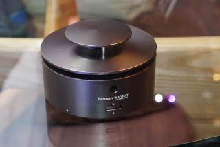 Harman Kardon 360 度喇叭設計相當有型。