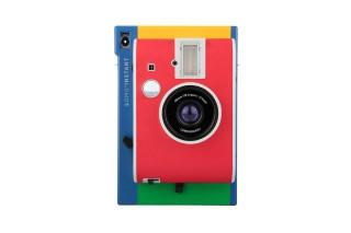 可以使用Fujifilm instax相紙,可手動調整光圈,仲可以有三個拍攝模式。