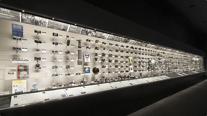 Nikon 還設有展覽讓大家更了解這百年的光學成品歷程。