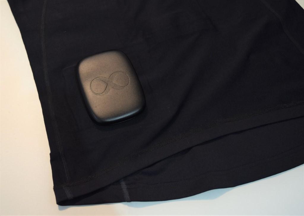 硬件裝置 Core8 猶如恆溫衣的大腦,拆卸後的 Clim8 可水洗。
