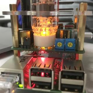 503HTA 上的左右聲道偏壓調節,讓發燒友可以自己去更換更靚聲的真空管自己做調校。