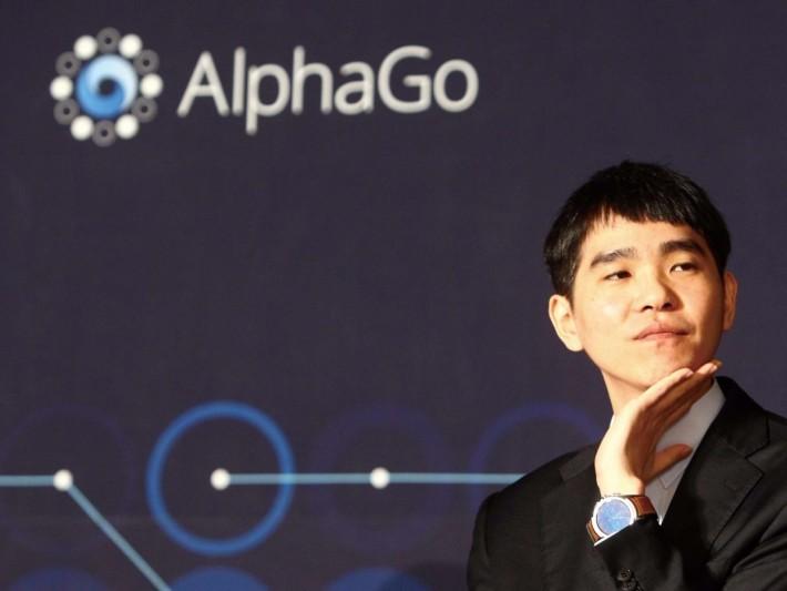 因為 AlphaGo 及 DeepMind Go 等人工智能被除名,李世乭排名回升。