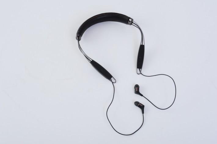 Klipsch R6 Neckband Bluetooth 外形「非一般」。
