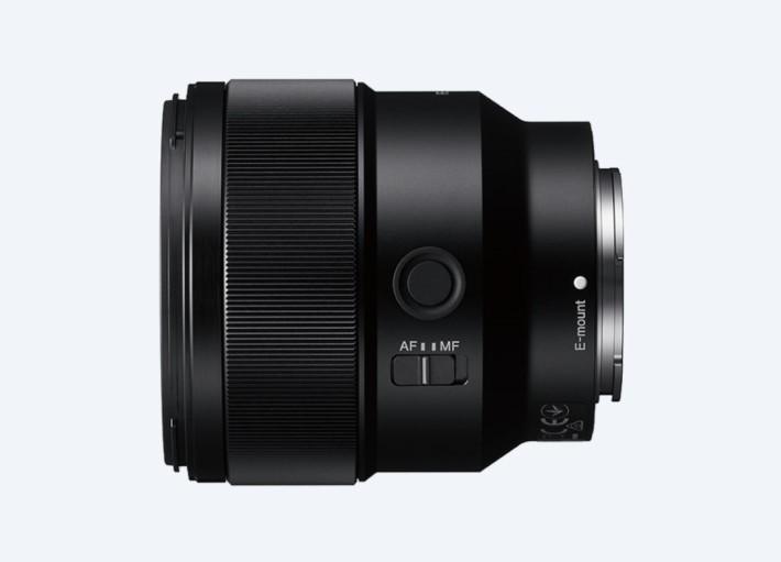 85mm f/1.8 鏡頭設有對焦固定鍵及手對焦切換鍵。