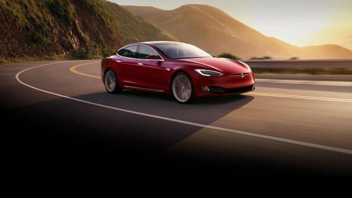 Tesla 電動車的成功,不單是以速度取勝。