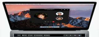 在 Outlook 進行語音或視像會議時, Touch Bar 顯示各種輔助功能,不阻礙鍵盤操作又很就手。