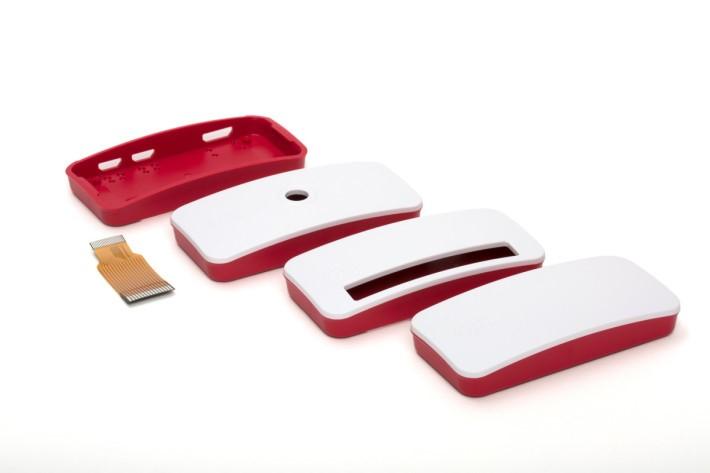 廠方正在開發的專用殼,還備有短 flexible 線,可以跟鏡頭模組結合成一體。