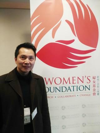 匯基書院(東九龍)電腦科科主任潘貴才見近年女同學選修 ICT 的人數每況愈下。