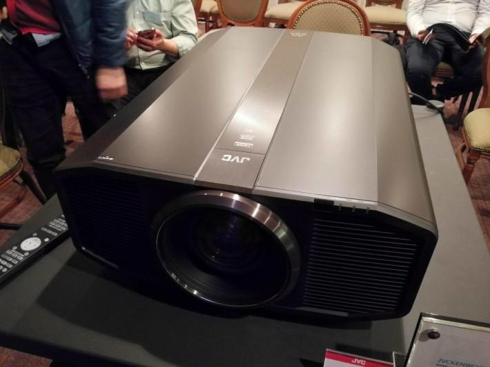 DLA-Z1 是全球首部獲得 THX 4K 認證的投影機產品。