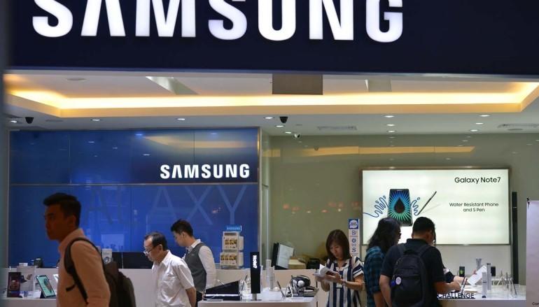 S8 太火熱!? 新加坡Samsung 專門店起火
