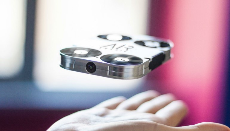 自拍神器新演繹 AirSelfie 凌空鏡頭玩自拍