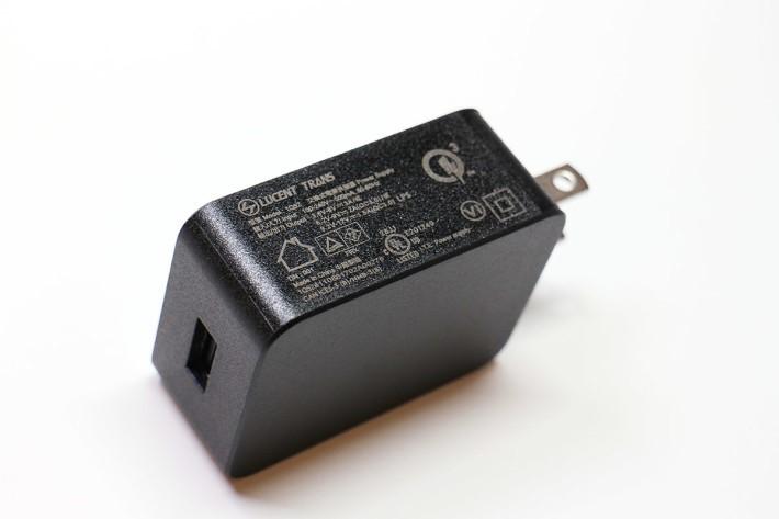 支援 QC 3.0 充電規格的火牛。