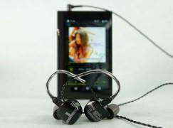 【PCM 實測】高音柔和配戴舒適的耳機 EarSonic ES3