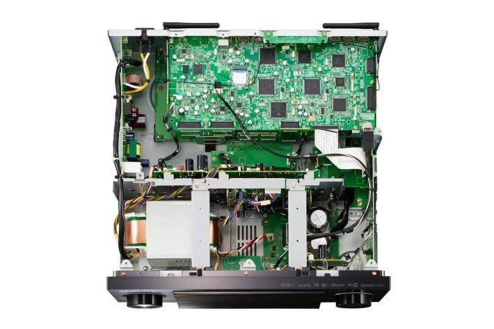 採用了新版的 Direct Energy HD 擴音線路設計,進一步實現更高質素的聲音重現效果。