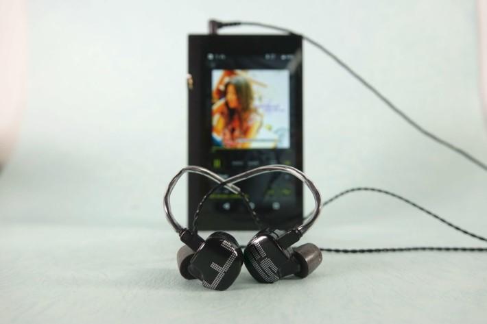 EarSonic ES3 中階價耳機