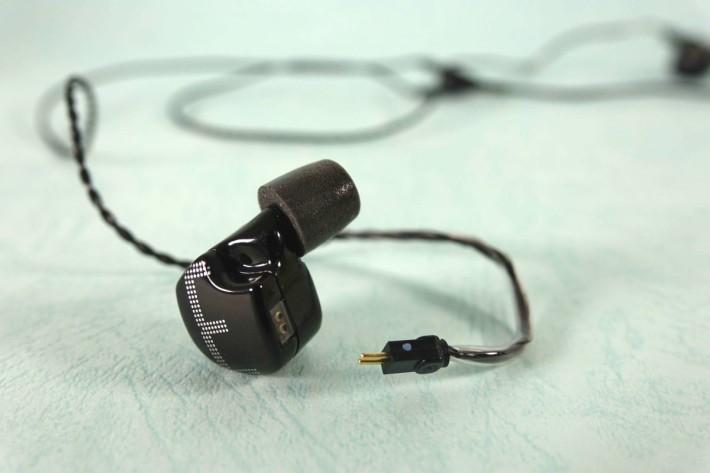 以雙針頭設計,方便用家在市場上找線材更換