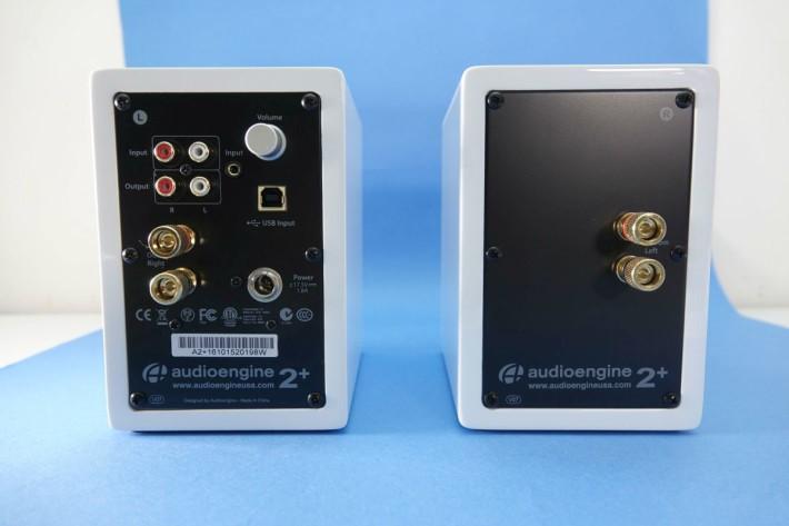 擁有 3.5 mm ;RHA 及 USB-Type B 各一組的輸入