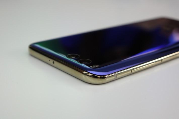 四邊曲面的玻璃,絕對是手機工藝的挑戰。