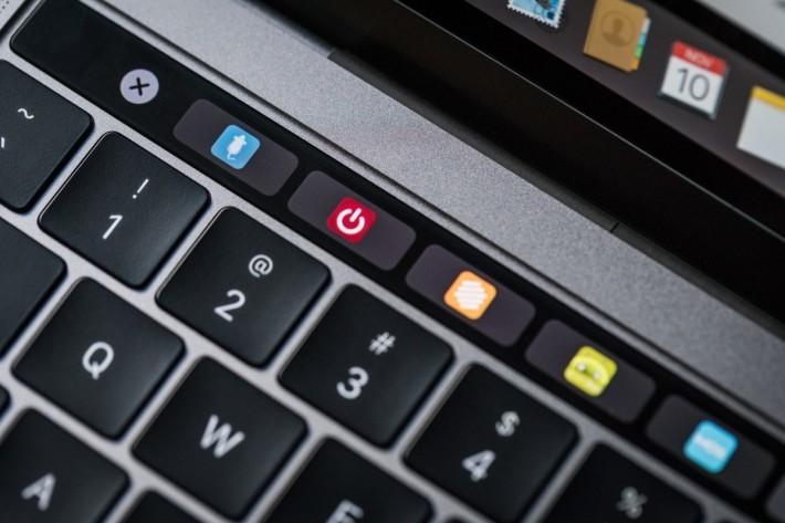 macbook_pro_late2016_review-adam_touchbar_favicons-100693223-orig
