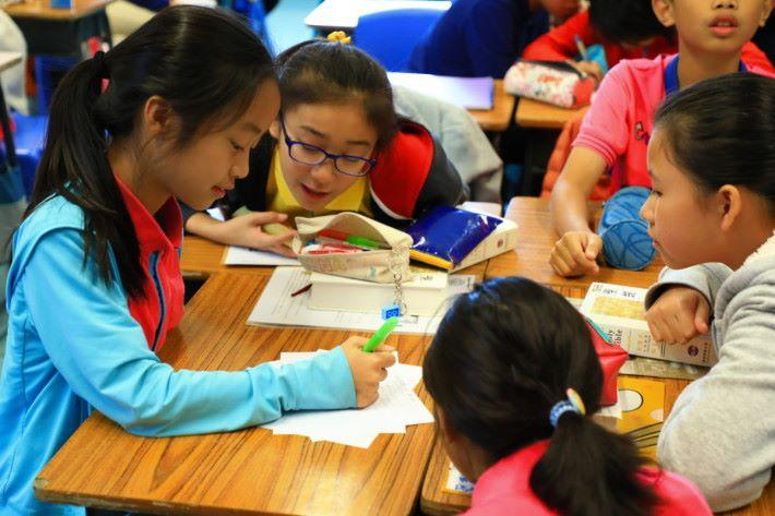 學生們對使用 Minecraft 進行教學甚表興趣,專注度也較以往高。