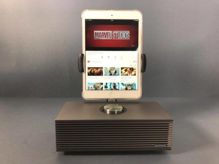 直放 iPad mini 的話需要把SUPA 向前放一點免得頂著旋扭
