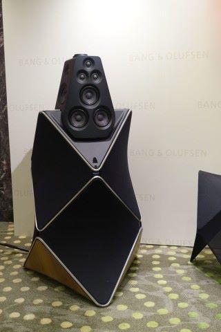 全場最貴的Bang & Olufsen Beolab90 一體化有源揚聲器 $663,000一對