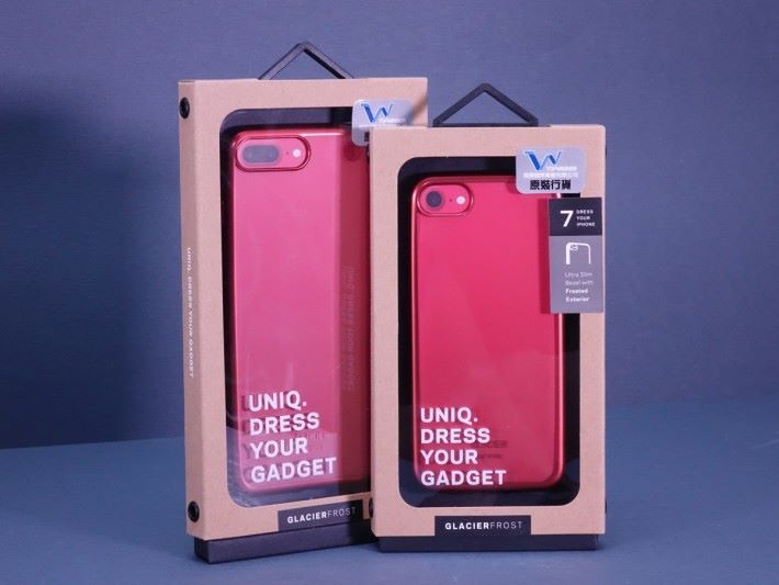 Uniq 特別為紅色 iPhone 而設計的機套。