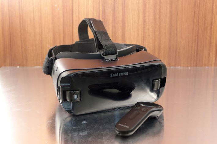 有了動態控制器,終於填裡手機 VR 欠了的輸入這空缺。