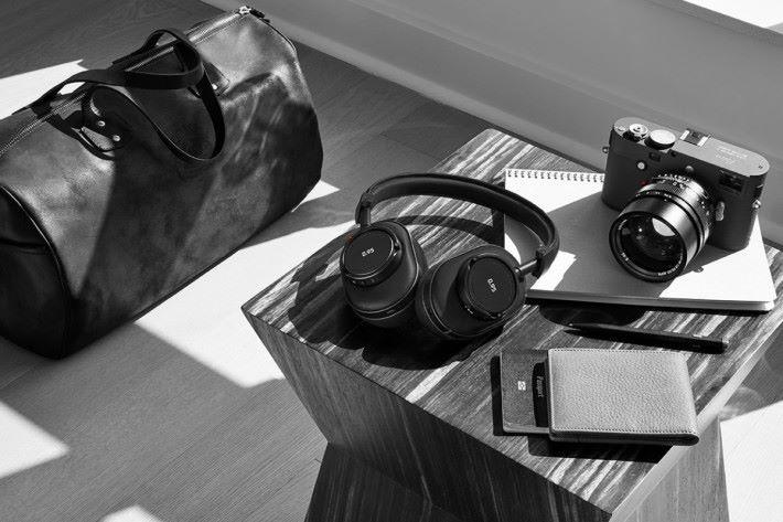 Leica X Master & Dynamic 推出耳機系列「0.95」