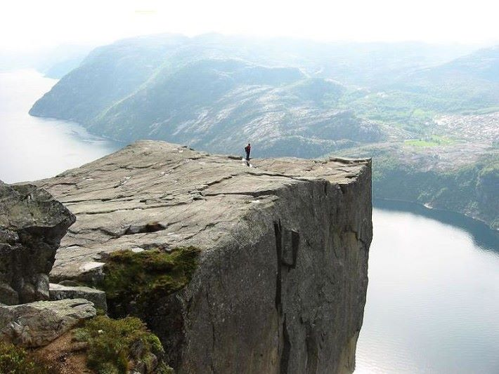 原本的目的地 Preikestolen cliffs