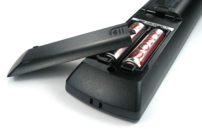 轉動遙控器上的電池,就能回復到電力了嗎?