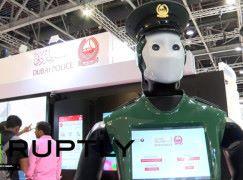 【睇得唔打得】冇槍 Robocop 杜拜首個機械警察「出更」