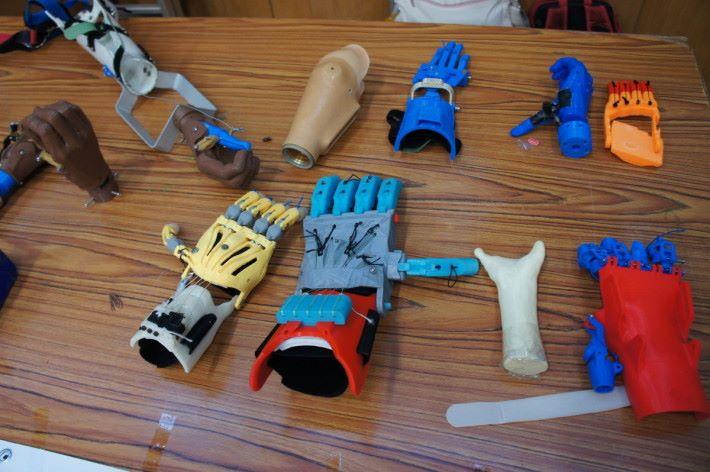 義肢製作有很多種類。