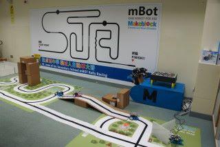 mBot 能讓學生具備實現 STEM 的能力,同時能讓學生元素有較一致的發展。