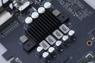 採用 4+2 相供電組。