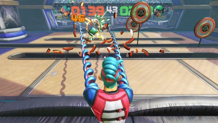 標板賽,各位要擊破標板搶分,各位也可以先攻擊對手作妨礙,小記建議最好用上具連擊效果的拳套。