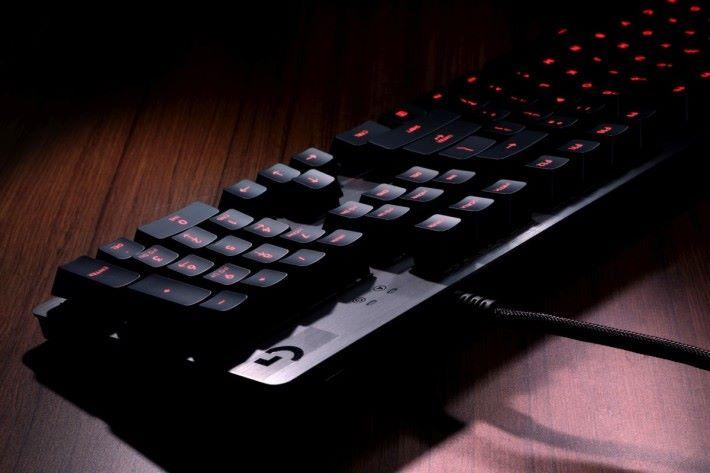 Logitech G413 電競鍵盤