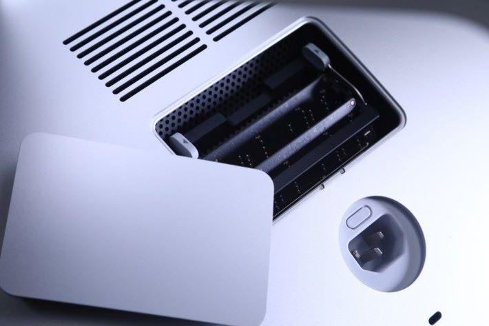 27吋 iMac 可以自己加 Ram,不用給 Apple 打劫。
