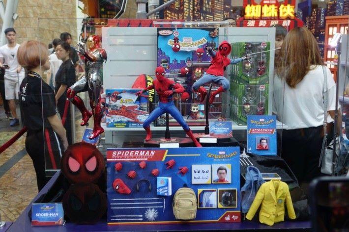 當然不少得限定 Hot Toys 商店精品
