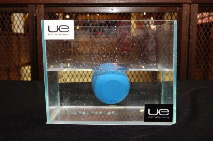IPX 7設計完成防水