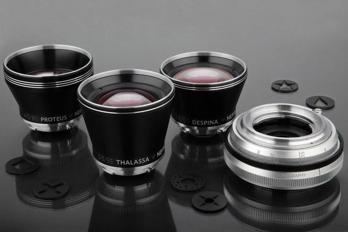 只需一個後鏡組件即可轉換三支 35mm、50mm 及 80mm 固定焦距前鏡。