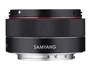 Samyang AF 35mm f/2.8 鏡細小。