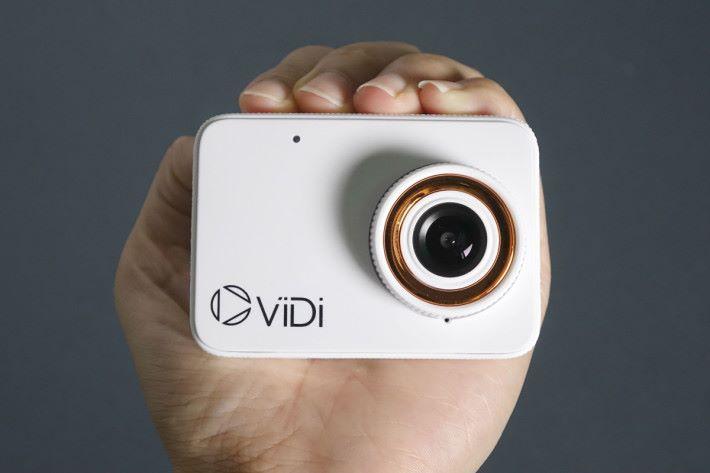 這部 ViDi LCD 外形細小,方便攜帶。
