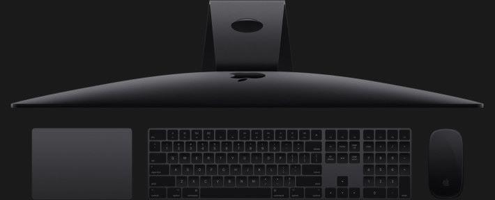 所配備的 Magic Keyboard 也是全新的。
