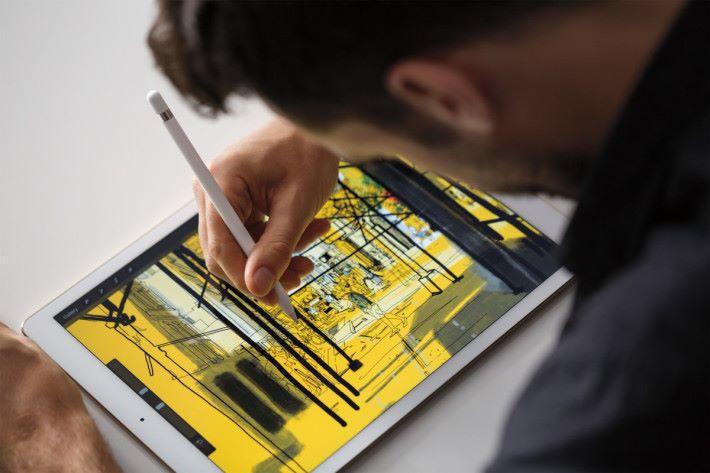 iPad Pro 亦有推出內置 Apple Sim 的版本。